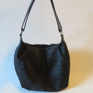 KATE SPADE BLACK SHOULDER BAG *